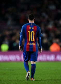 Lionel Messi of FC Barcelona looks on during the La Liga match between FC Barcelona and RCD Espanyol at the Camp Nou stadium on December 18, 2016 in Barcelona, Catalonia.