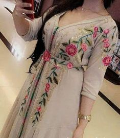 890 Likes, 13 Comments - caftan marocaine ( on Pakistani Dress Design, Pakistani Dresses, Indian Dresses, Kurta Designs, Blouse Designs, Abaya Fashion, Fashion Dresses, Arabic Dress, Afghan Dresses