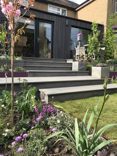 Yukari Shou Sugi Ban® was featured on Alan Titchmarsh Love your Home and Garden on ITV. Landscape Design, Garden Design, Exterior Solutions, Ancient Japanese Art, Ancient Chinese Architecture, House Cladding, Chinese Garden, Love Your Home, House Extensions