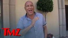 Steve Wilkos -- Shooting Drivers with Broken Taillights ... Outrageous | TMZ Steve Wilkos worked as a cop for many years in Chicago and saw plenty of violence but he says no one -- NO ONE -- should be shot and killed over a broken taillight. SUBSCRIBE: http://ift.tt/2fUCRyZ About TMZ: TMZ has consistently been credited for breaking the biggest stories dominating the entertainment news landscape and changed the way the public gets their news. Regularly referenced by the media TMZ is one of…