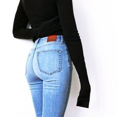 Black t-shirt ⇒  Blue jeans ⇒