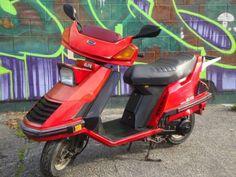 Honda Scooters, Honda Bikes, Sidecar, Design Thinking, Motorbikes, Vintage Cars, Cycling, Motorcycle, Zoom Zoom