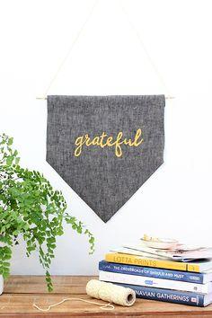 "DIY: No-Sew Thanksgiving ""Grateful"" Banner   Julep"