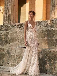 Wedding dress | wedding insipirasi | bridal dresses | haute couture | bride | handmade couture | bridal couture Formal Dresses, Wedding Dresses, Girly, Feminine, Bride, Fall, Collection, Fashion, Dresses For Formal