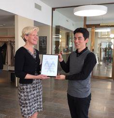 Muutosmuotoilija Yodo Kurosawa varjosti Margita Klemettia, Työelämä 2020 hankeen johtajaa, yhden työpäivän ajan ja sen persteella myönsimme hänelle ensimmäisen Tulevaisuudentyön laatusertifikaatin.