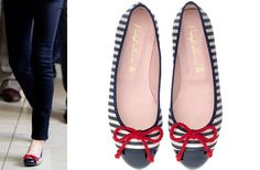 Letizia added a nautical touch to her outfit, wearing the Pretty Ballerinas navy stripe flats with red tie.