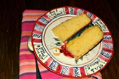 Victoria Sponge Cake with Blueberries and Lemon Curd - www.heikeherrling.com