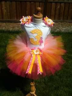 Happy Birthday Foofa Yo Gabba Gabba TuTu Set...omg im gonna make this for beans for her 3rd bday any volunteers wanna help me you all know im uncapable of these type of things