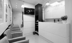Sala comercial utilizada como consultório médico com 2 salas de consulta, 1 de procedimento, espera, copa e WC. Logotipo e papelaria. Área: 40,00m²