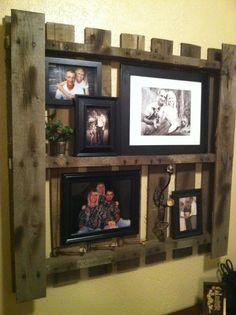 """Genial muro de fotos hecho con """"pallet"""""""