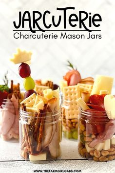 Charcuterie Recipes, Charcuterie Platter, Charcuterie And Cheese Board, Cheese Boards, Yummy Appetizers, Appetizers For Party, Appetizer Recipes, Easy Snacks For Party, Dessert Ideas For Party