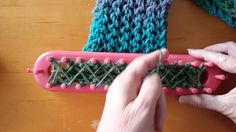 Easier way to do the double knit fish scale stitch on a long loom with cleaner looking edges.