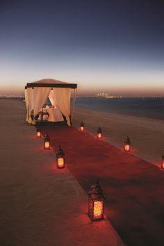 Jumeirah Zabeel Saray - Dubai, UAE Overlooking the. Beach dinner in Dubai Jumeirah Zabeel Saray - Romantic Places, Romantic Vacations, Romantic Dinners, Romantic Travel, Dream Vacations, Beautiful Places, Romantic Beach, Romantic Surprise, Romantic Evening