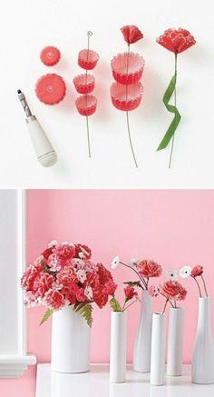 Decorando com flores feita de forminhas de papel!