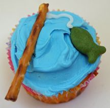 fishing pole cupcakes...adorable