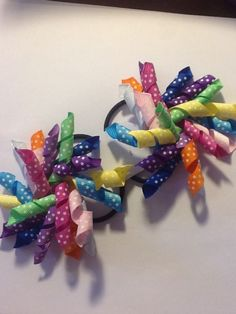 Using width grosgrain ribbon to make this style. Approx long before curls and there are 10 strand of ribbons in each hair tie. Kids Corner, Ponytail Hairstyles, Short Girls, Grosgrain Ribbon, Hair Ties, Headbands, Curly, Bows, Handmade