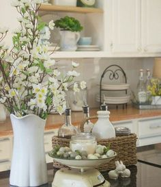 Spring country kitchen inspo.. #blossom #blossoming #cottagekitchen #countrykitchen #springcheer