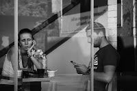 Phubbing: Ignorare gli altri per rispondere al telefono | Rolandociofis' Blog