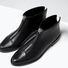 Image 6 of ZIPPED LEATHER BOOTIES from Zara