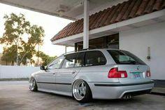 BMW E39 5 series Touring silver slammed deep dish