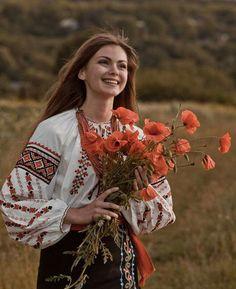 Folk Fashion, Ethnic Fashion, Traditional Fashion, Traditional Dresses, Ukraine Women, Ethno Style, European Girls, Ukrainian Art, Wow Art