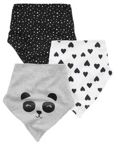 Mix and match with these sweet bandana style teething bibs. Equipped with a 3-layer lining, hook and loop closure and oh-so cute prints and slogans, these bibs will keep him dry and adorable all day long.