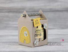 mipamias: Eine süße Kleinigkeit... Honig hübsch verpackt Bee Cards, Honey, Logo Design, Packaging, Bees, Advent, Kindergarten, Stamps, Silhouette