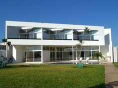 Casa Esquivel Menendez / Seijo Peon arquitectos