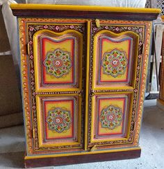 Cabinet marroqu en rojo decohouse pinterest for Muebles hindu