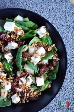 Environment is small and has actually limited resources. Feeding mankind with meat takes a huge toll on the environment. It makes more sense for us to get nutrition from plant proteins rather than growing grains and then feeding it to animals. Healthy Cooking, Healthy Snacks, Healthy Eating, Cooking Recipes, Healthy Protein, Ensalada Thai, Feta, Vegetarian Recipes, Healthy Recipes