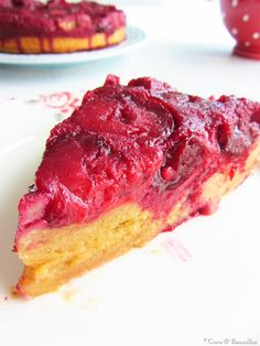 Plum cake with almond and cinnamon