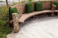 Incredible benches to decorate your garden 3