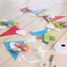 Airplane Party Banner and Album Planes Party, Airplane Party, Airplane Banner, Boy Birthday Parties, Birthday Stuff, Birthday Ideas, Easy Party Decorations, Scrapbook Paper Crafts, Scrapbooking