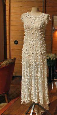 www.jornaljardins.blogspot.com: EXPOSIÇÃO CORTES E RECORTES MOSTRA CRIAÇÕES DE CLODOVIL HERNANDES   Criou este vestido para o casamento de sua amiga Rose Benedetti, em 1965.