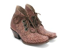 Can I get them?  Please???  They're a little out of my price range but........I REALLY WANT THEM!  the Fluevog Simon