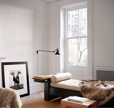 So sophisticated. ⠀ ⠀ Fabien Baron's home via @samedford. Photo by @francoishalard for @wsjmag.