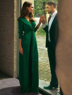 Abendkleid - Schluppe - Langgröße Das lange Kleid steht besonders großen Frauen gut, im Rücken gebundene Schluppen zaubern eine Traumfigur.