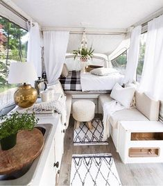 Extraordinary Vintage Camper Interior Ideas, Your camper is really the sweetest. To begin with, let's talk about things you ought to search FOR in your prospective camper. Vintage campers are ava. Happy Campers, Rv Campers, Camper Trailers, Small Campers, Teardrop Campers, New Pop Up Campers, Teardrop Trailer, Renovation Design, Camper Renovation