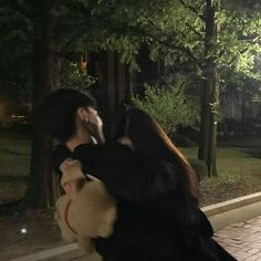 Find images and videos about love, couple and korean on We Heart It - the app to get lost in what you love. Relationship Goals Pictures, Cute Relationships, Ulzzang Couple, Ulzzang Girl, Cute Couples Goals, Couple Goals, Emo Couples, Parejas Goals Tumblr, The Love Club
