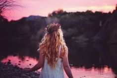 Flower halo in the sunset photography hair sunset girl flowers hipster