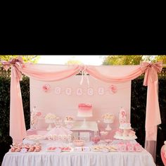 This is exactly how my baby shower setup should look! If I have a boy, we could just change it to blue. Haha.