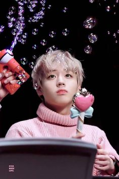 You're my honey bunny sugar pump-pi-piumpkin you're my sweety hoonie ❤️❤️Park Jihoon Jinyoung, Park Jihoon Produce 101, Pop Kpop, Park Bo Gum, Kim Jaehwan, Ha Sungwoon, Child Actors, Thing 1, My One And Only