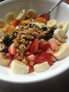 Recipes Snacks Fruit Enjoy mixed fruit and organic honey in this brilliantly healthy breakfast breakfast is part of Food - Comidas Fitness, Benefits Of Organic Food, Healthy Snacks, Healthy Recipes, Snacks Kids, Eating Organic, Organic Cooking, 21 Day Fix, Aesthetic Food