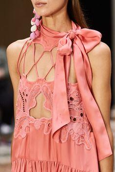 Fashion Show, Fashion Outfits, Womens Fashion, Fashion Details, Fashion Design, Spring Fashion Trends, Nice Dresses, Casual Dresses, Street Style
