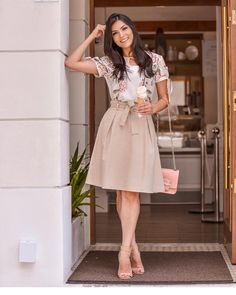 Swans Style is the top online fashion store for women. Shop sexy club dresses, jeans, shoes, bodysuits, skirts and more. Modest Dresses, Modest Outfits, Dresses For Teens, Simple Dresses, Skirt Outfits, Modest Fashion, Dress Skirt, Casual Dresses, Girl Fashion