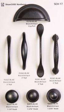 Kitchen Knobs, Black Kitchen Cabinets, Kitchen Cabinet Hardware, Kitchen Handles, Black Kitchens, Kitchen Redo, Kitchen And Bath, Home Kitchens, Kitchen Ideas