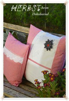 Ein Dekoherzal in den Bergen: KISSALEN für mei CHRISTINAL Bergen, Austria, Den, Throw Pillows, Gift Ideas, Gifts, Rug Hooking, Hand Crafts, Cushion