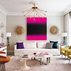 El equipo de Living Pink ha conseguido un mix muy fresco en esta casa madrileña. La unión de piezas dispares, elegidas por su valor singular, ha logrado un divertido ejercicio de equilibrios.