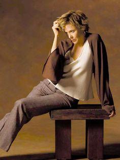 Annette Bening Annette Benning, Warren Beatty, Golden Globe Award, Fashion Over 50, American Actress, Character Inspiration, Actors & Actresses, Film, Celebrities