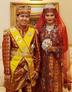 The daughter of Sultan Princess Majeedah of Brunei married Khairul Khalil in a brilliant traditional ceremony on 11 June 2007